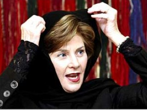 Laura-Bush-Hijab-2007-10-24