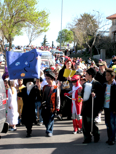 Purim_parade1